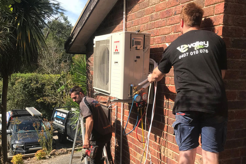 selected service and two staff repairs aircon